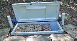 Старый холодильник как применить на даче